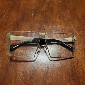 Square Rimmed Fashion Sunglasses